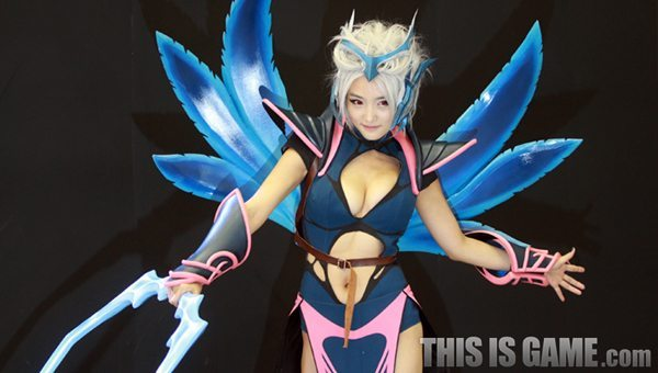 131115_gamelandvn_dota2cosplay05