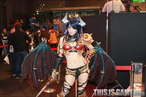 131115_gamelandvn_dota2cosplay10