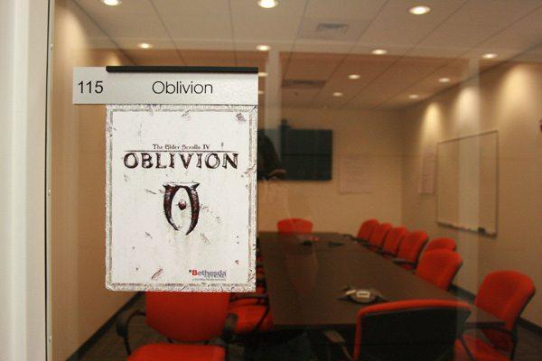 Một phòng họp trong tổng hành dinh của ZeniMax Online Studios