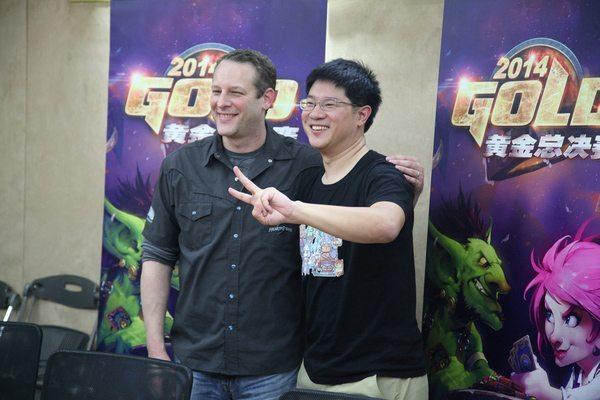 Ông Jason Chayes (trái) và ông Hamilton Chu (phải)