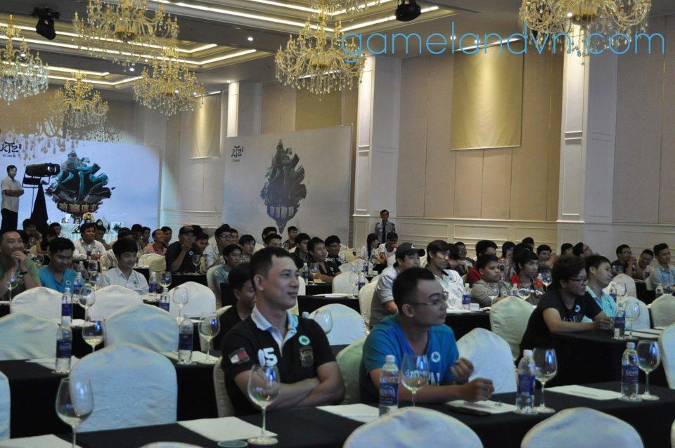 Buổi gặp gỡ cộng đồng Kiếm Thế 2 có sự tham gia của hơn 100 người chơi