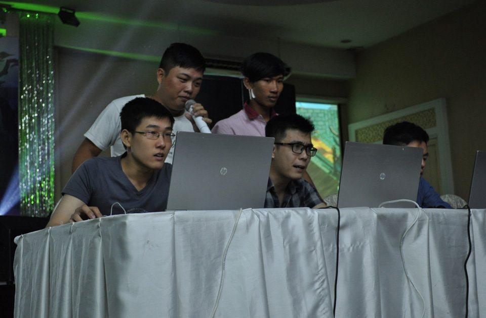 Tổ đội vô địch miền Nam thi đấu với tổ đội vô địch miền Bắc