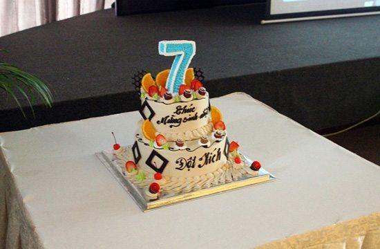 Bánh sinh nhật của Liên minh Đột Kích Buôn Ma Thuột