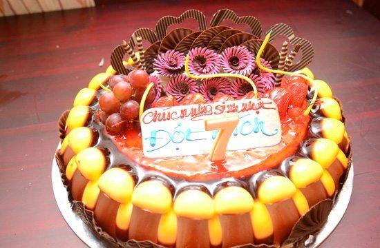 Bánh sinh nhật của Liên minh Đột Kích Cần Thơ