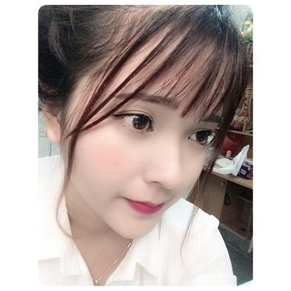 LiLy Nguyễn đến từ Hải Phòng với đôi mắt to tròn, đôi môi gợi cảm cùng gương mặt có những nét rất Tây.