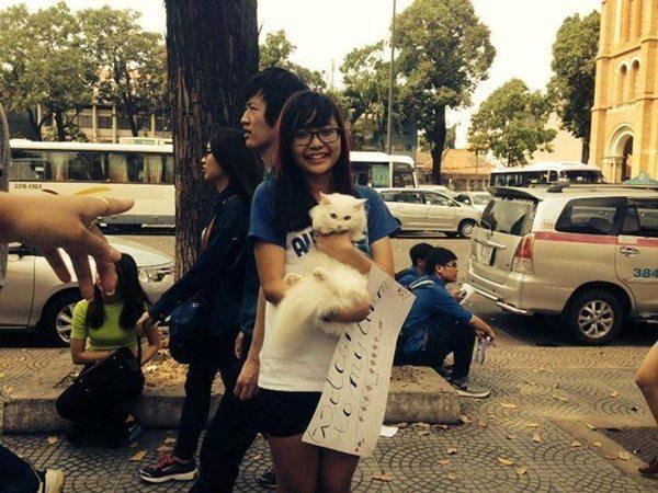 Cô nàng yêu thương động vật này mang tên Võ Nguyễn Nhật Bình đến từ Club Audition TP. Hồ Chí Minh.