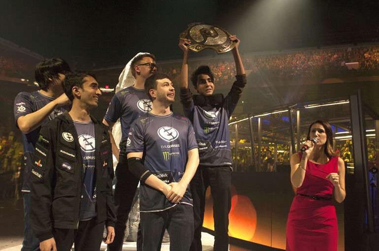 EG khi đăng quang vô địch The International 5 © Valve