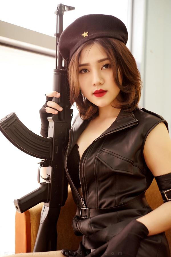 Ngắm cosplay Tổng Tư Lệnh cực chất của Diệp Super - Ảnh 03
