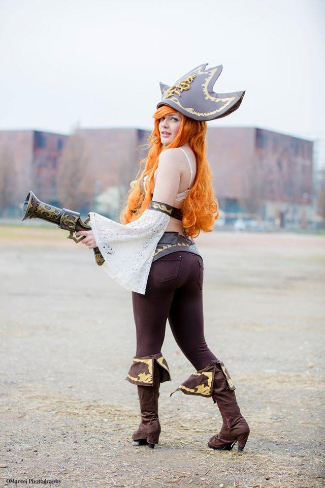 Cosplay Miss Fortune cực quyến rũ của SaraFlora - Ảnh 01