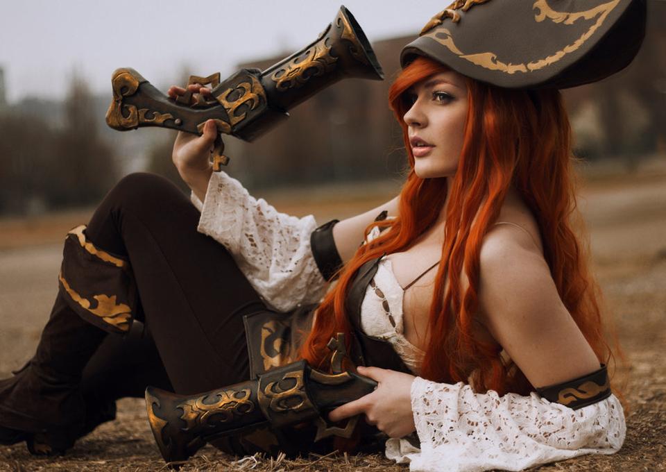 Cosplay Miss Fortune cực quyến rũ của SaraFlora - Ảnh 03