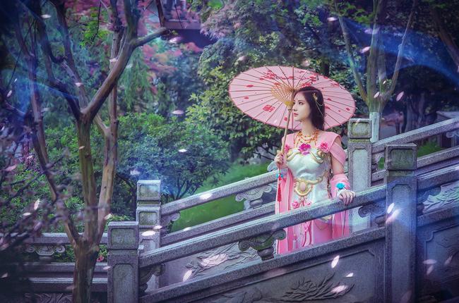 Ngắm cosplay Thiên Hương cực quyến rũ của Hàn Hàn