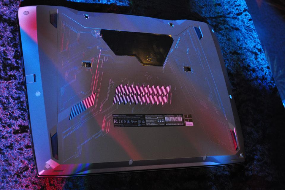 ASUS giới thiệu siêu phẩm ROG GX700 dành cho game thủ - Ảnh 13