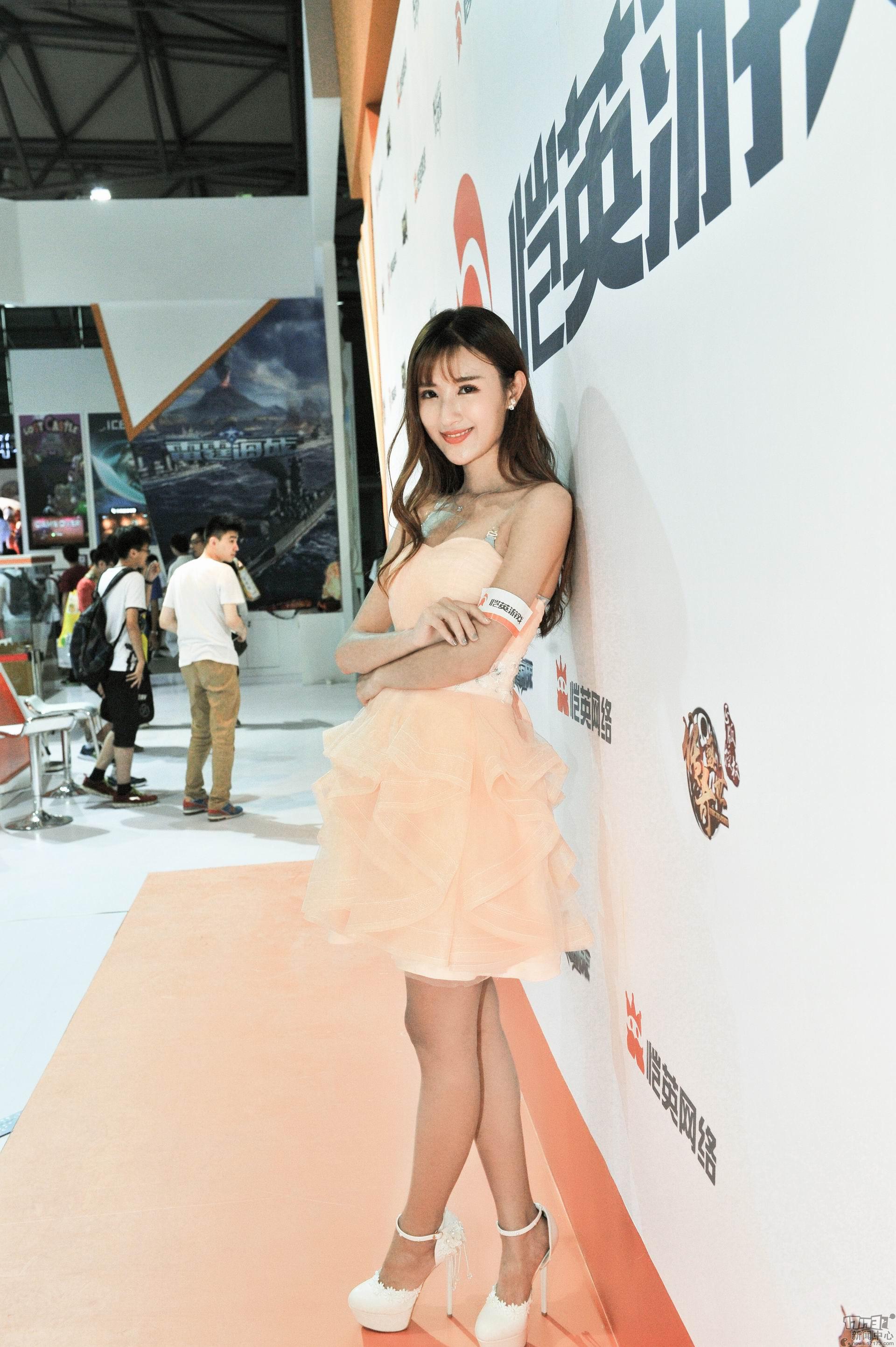 Chiêm ngưỡng loạt showgirl cực quyến rũ tại ChinaJoy 2016 - Ảnh _17