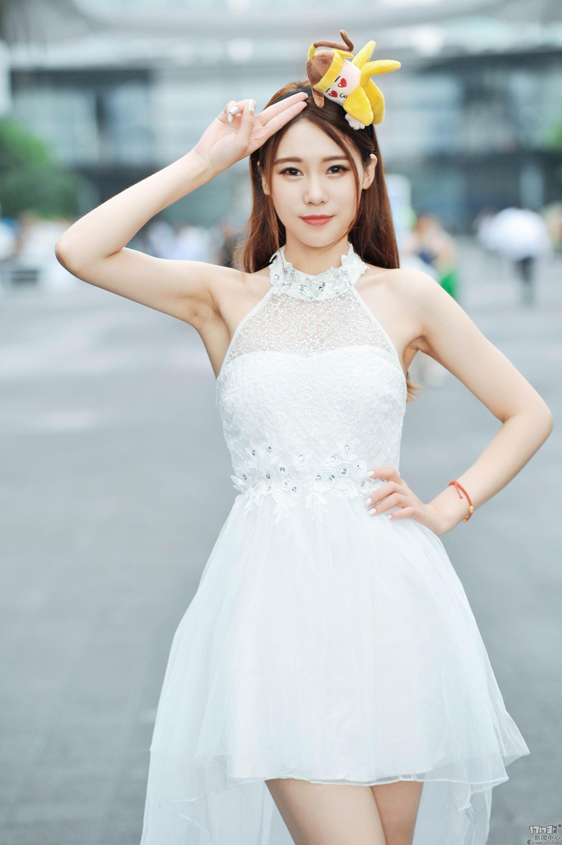 Chiêm ngưỡng loạt showgirl cực quyến rũ tại ChinaJoy 2016 - Ảnh _39