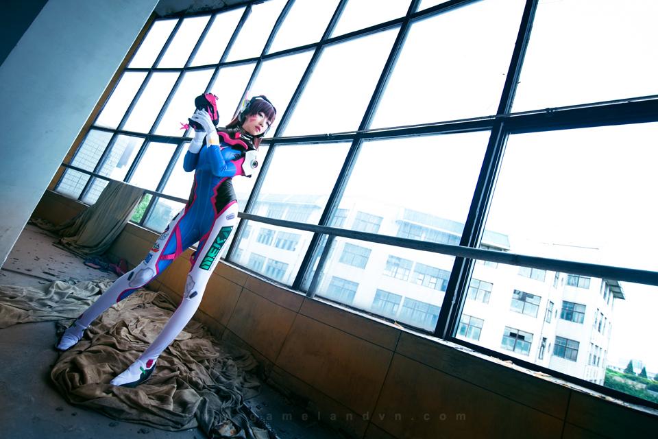 Overwatch: Sasa khoe chân dài miên man với cosplay D.Va - Ảnh 02