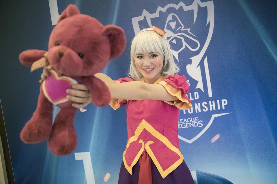 Cosplay Liên Minh Huyền Thoại tại vòng bảng Chung Kết Thế Giới 2016 - Ảnh 13