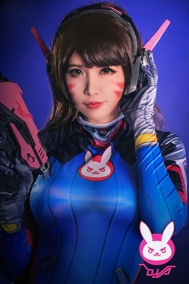 D.Va cosplay by Hana Dinh - 01