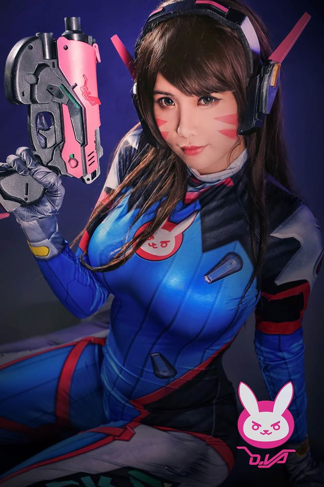 D.Va cosplay by Hana Dinh - 02