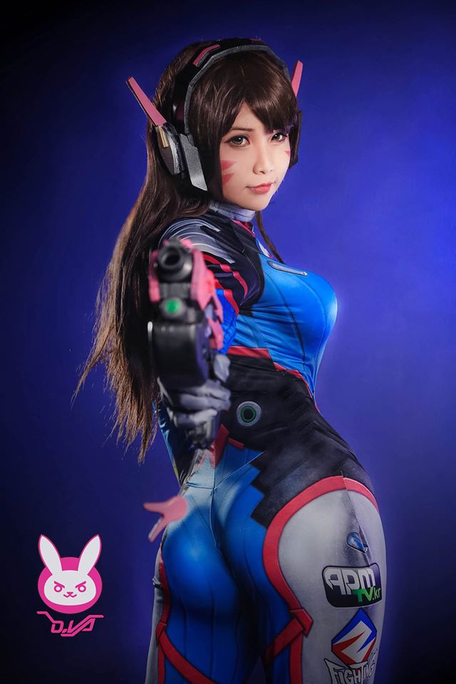 D.Va cosplay by Hana Dinh - 06