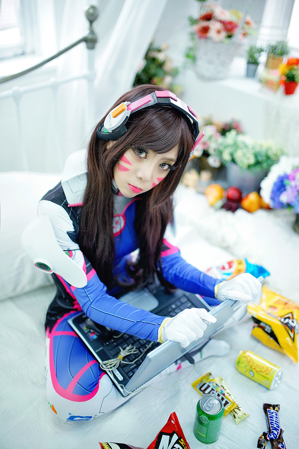 D.Va cosplay by Korean cosplayer Dami - Image 05