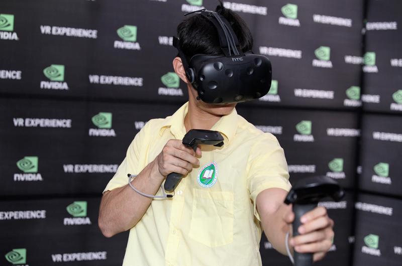 Trải nghiệm công nghệ mới tại gian hàng Nvidia.