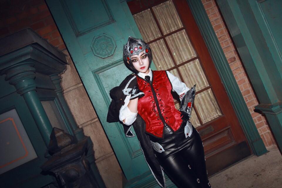 Ngắm cosplay Huntress Widowmaker của Akhee - Ảnh 01