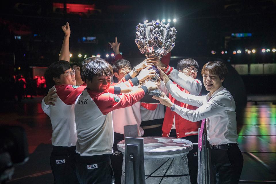 SK Telecom T1 vô địch thế giới một lần nữa.