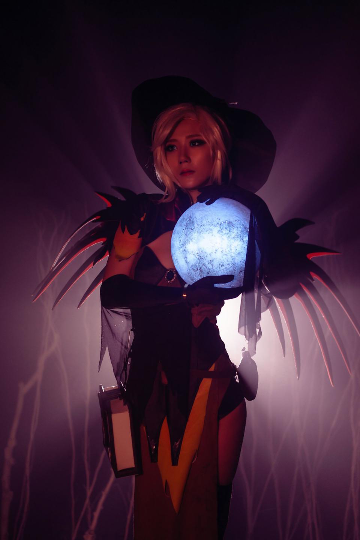 Overwatch: Ngắm cosplay Witch Mercy cực quyến rũ của Jcos - Ảnh 08