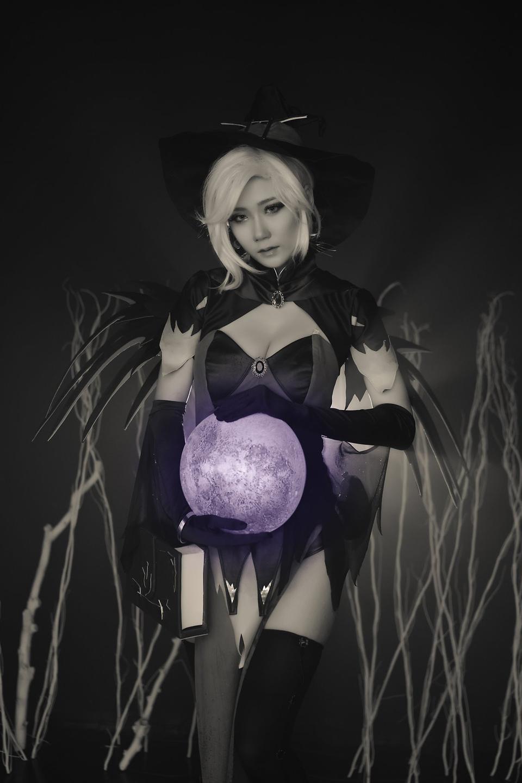 Overwatch: Ngắm cosplay Witch Mercy cực quyến rũ của Jcos - Ảnh 16