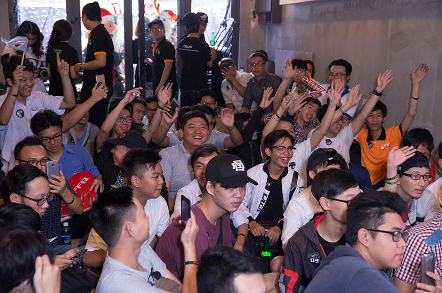 QTV Center chật kín người hâm mộ đến giao lưu với ROG FFQ