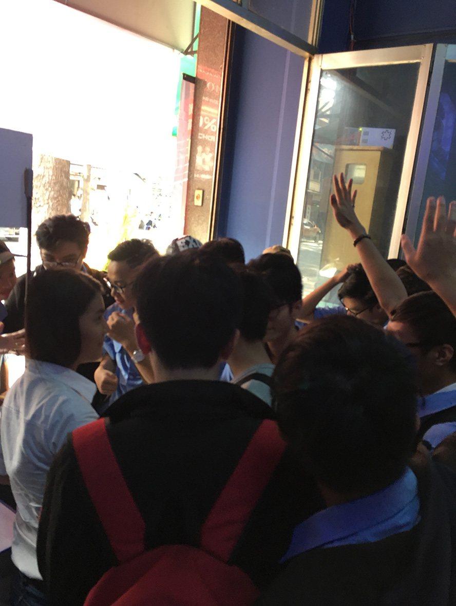 eHub Gaming Trường Tuấn 3: Khi phòng máy kết hợp cafe sang chảnh - Ảnh 4