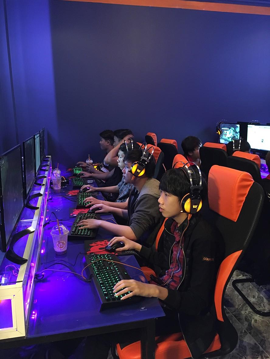 eHub Gaming Trường Tuấn 3: Khi phòng máy kết hợp cafe sang chảnh - Ảnh 7