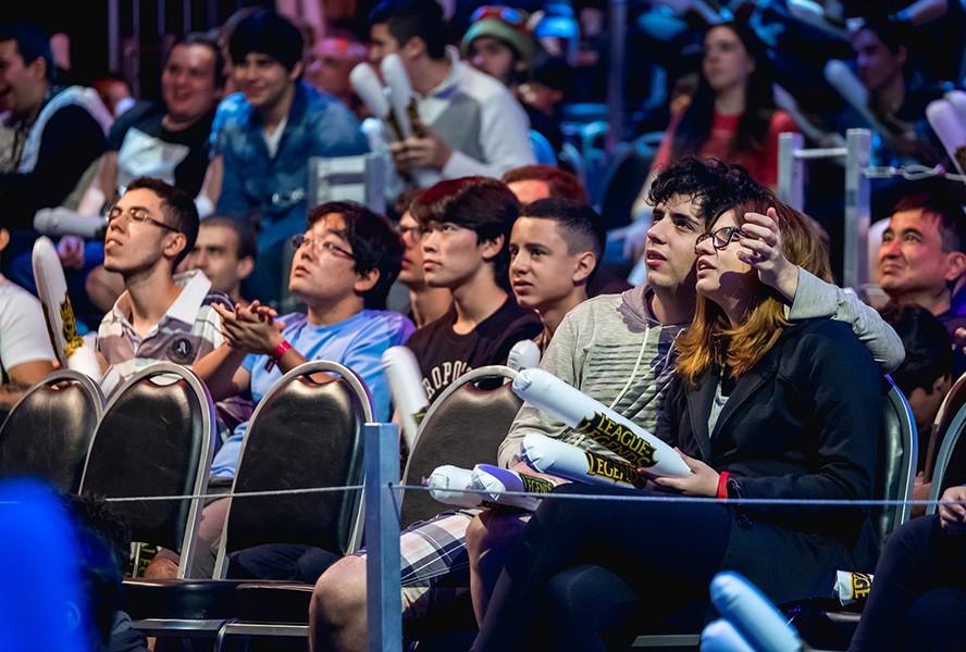 Khán giả theo dõi vòng khởi động MSI 2017 - Ảnh 21