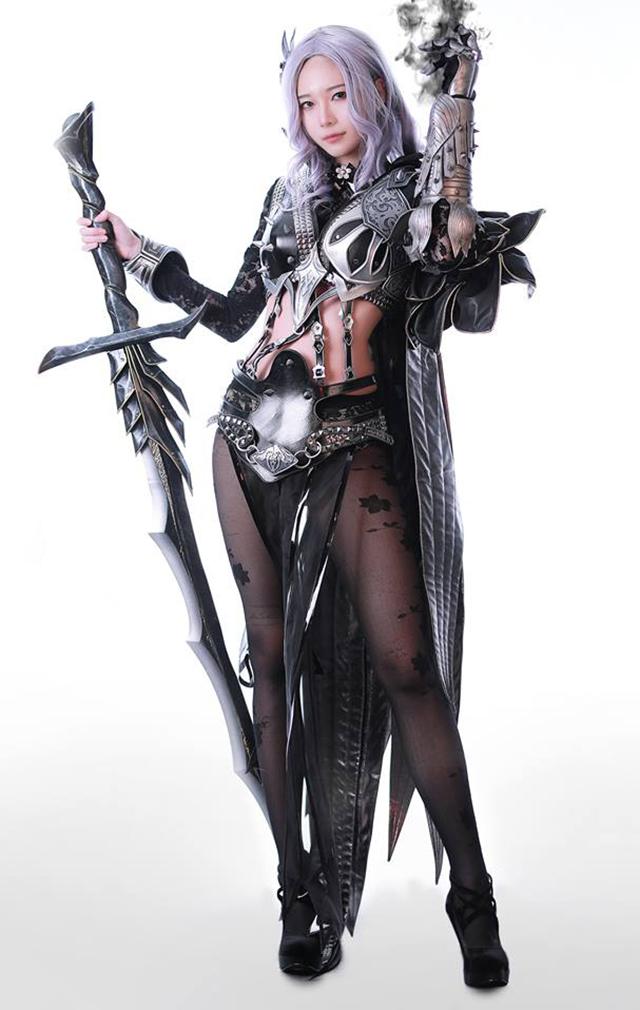 Cosplay Dark Knight mạnh mẽ đầy quyến rũ của Rz Cos - Hình ảnh 11