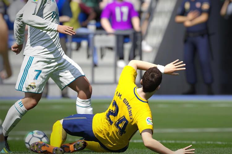 Phòng thủ tự chỉnh trong FIFA Online 4