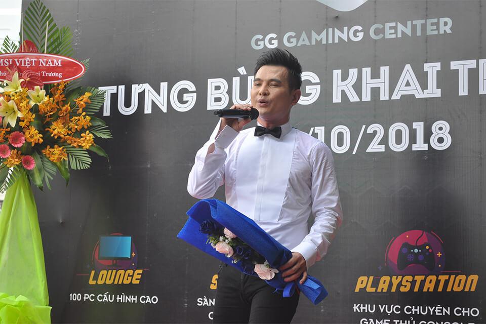 Ca sĩ Lâm Hùng tham dự lễ khai trương GG Gaming Center.