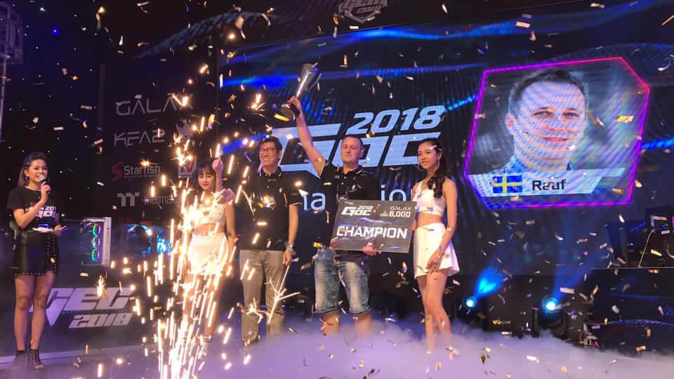 Tobias Rauf Bergstrom nâng cao cúp vô địch GOC 2018