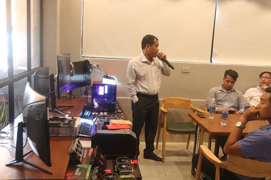 MSI Optix AG32C và Optix MAG321 CQR chuẩn bị tấn công thị trường phòng máy 4
