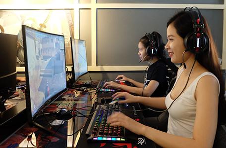 """""""Mãn nhãn"""" với các phòng máy cafe mobile gaming 5"""
