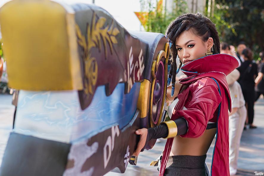 Cosplay True Damage Senna cực chuẩn của Zee Andrea - Hình ảnh 5